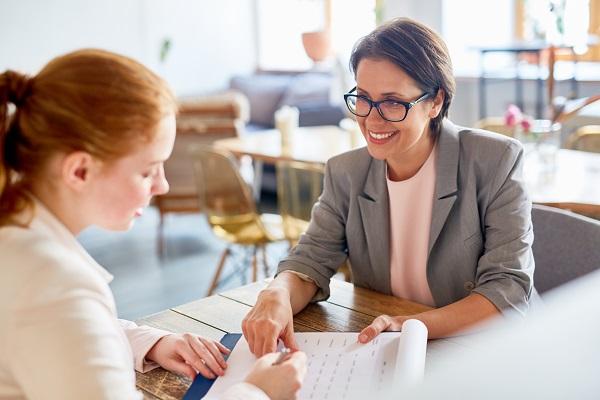 Conseguir empleo a través de orientación laboral para entrevistas